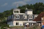 Hafenhaus mit Hafenmeisterbüro und Sanitäranlagen