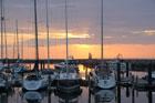 Sonnenuntergang in der Marina Hohe Duene